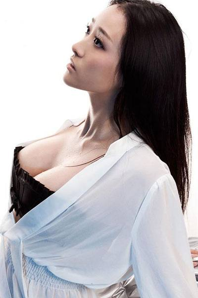 busty Chinese girl Liu Ke Hong