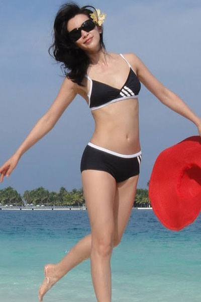 fantastic Li Bing Bing at the beach