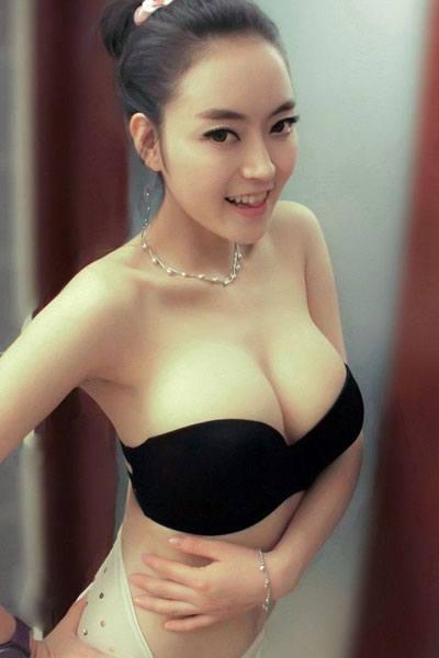 hot Ada Liu Yan