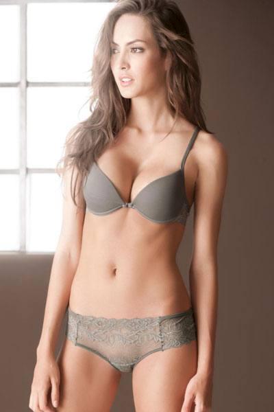 pretty Macri Elena Velez Sanchez with nice body