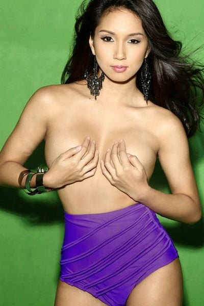 the topless Roxanne Barcelo