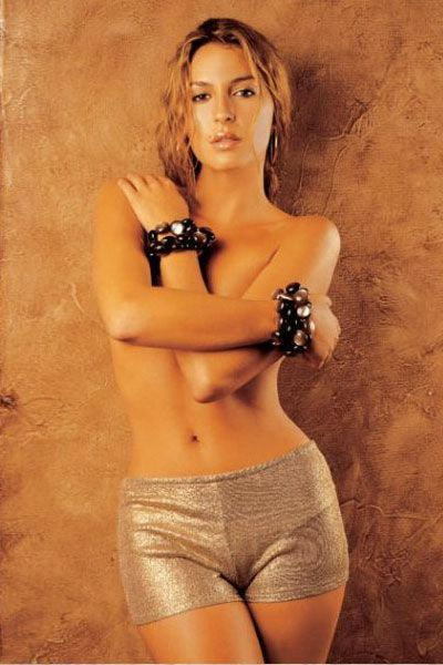 topless Adriana Arboleda