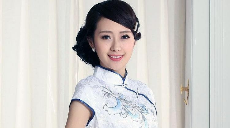 beautiful traditional Chinese girl