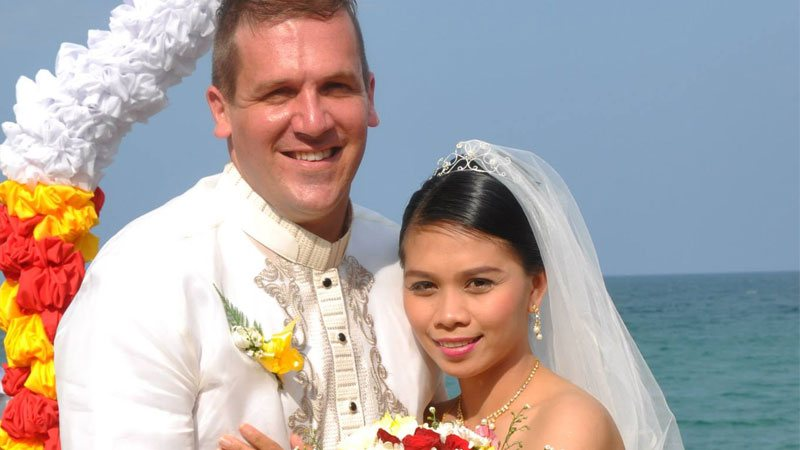 Western guy married a Filipina woman