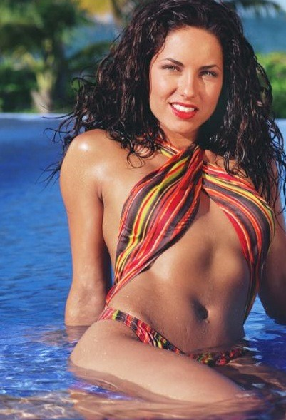 Barbara Mori sexy abs