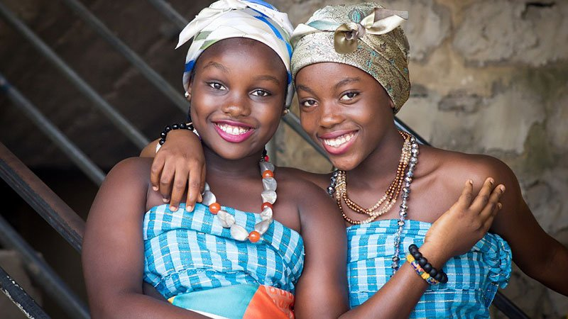 2 beautiful African girls