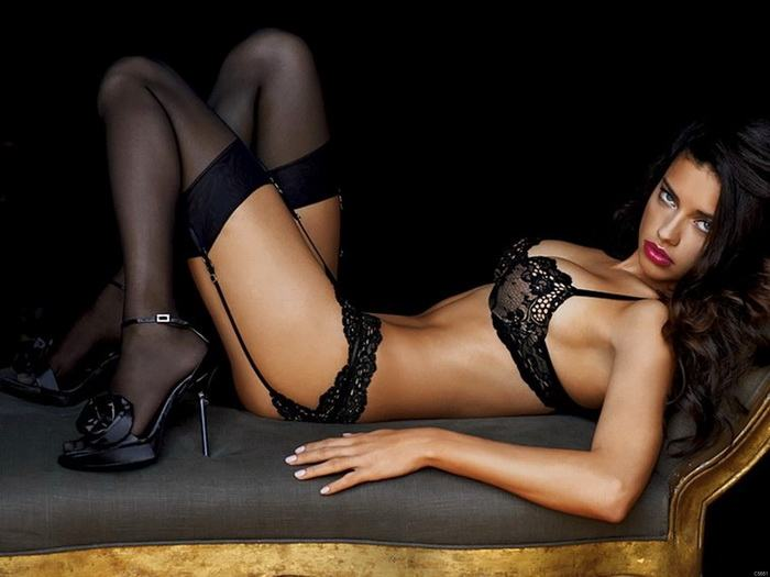 Adriana Lima seductive in black lingerie