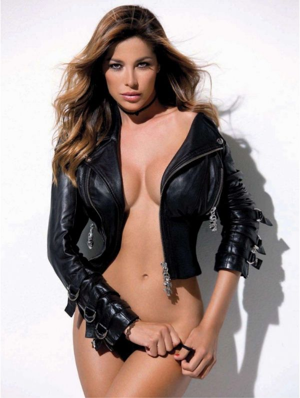 Aida Yespica in sexy leather jacket