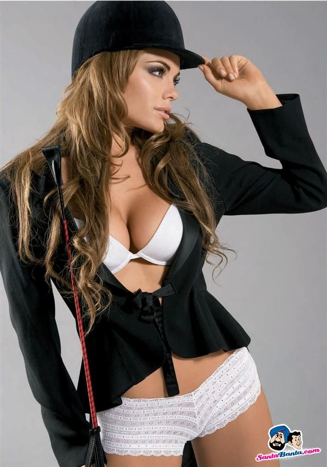 Emilia Attias cute attire
