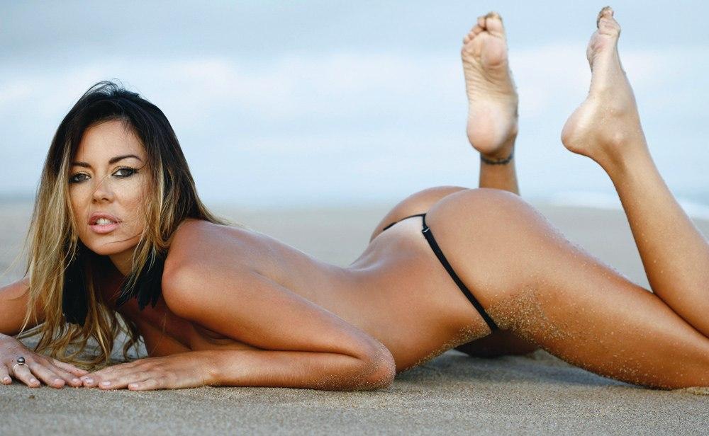 Karina Jelinek hot on the sand