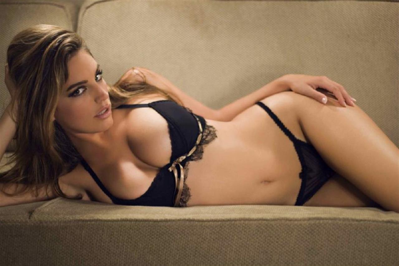 Odette Annable curvy body