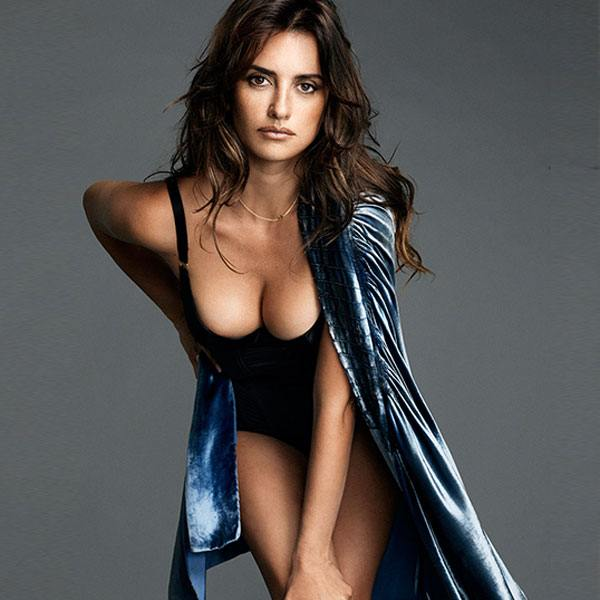 Penelope Cruz seductive look