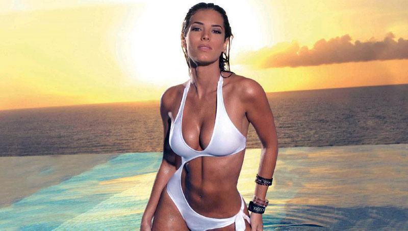 hot-venezuelan-bikini-babe
