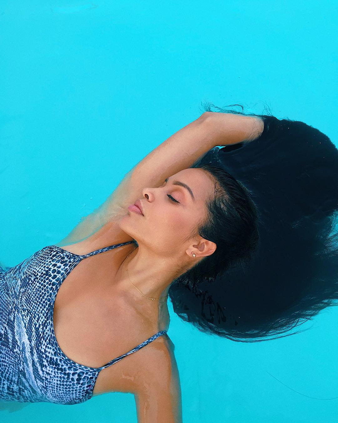 Mirtha Michelle passionate in water