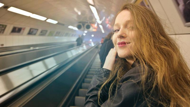 pretty-girl-at-the-metro-station