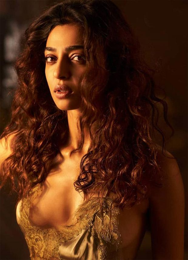 Radhika Apte hotness alert
