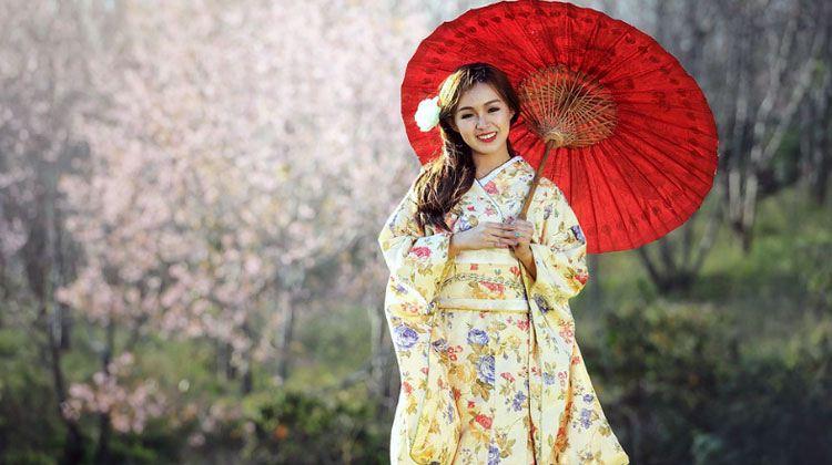 cute Japanese woman in kimono
