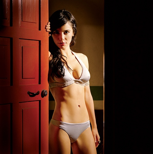 Martha Higareda hot abs