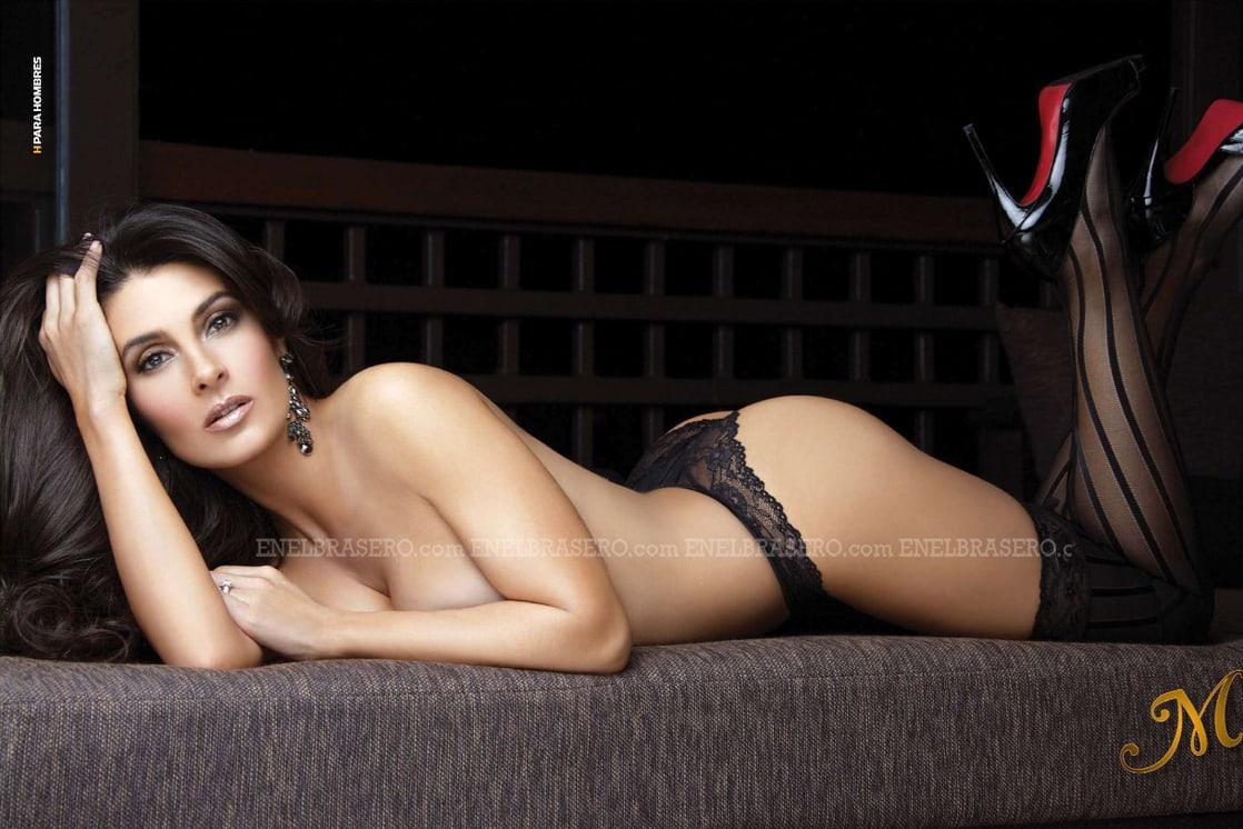 Mayrín Villanueva topless