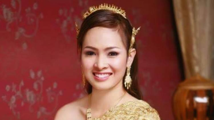 beautiful cambodian girl