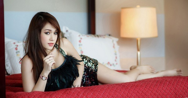 Lady dating Thailand