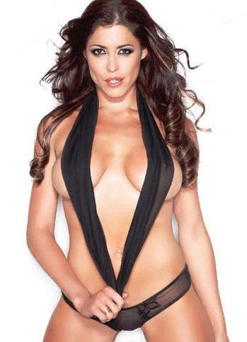 Pamela David looking hot in lingerie bikini